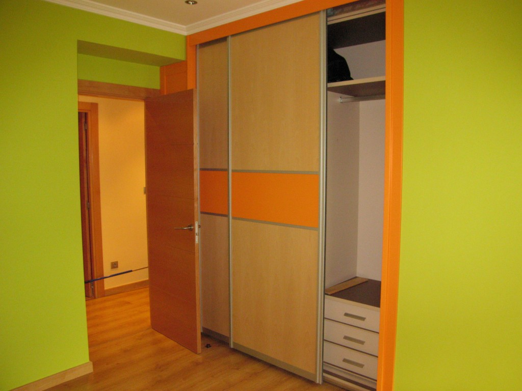 Fotos de armarios empotrados por dentro arquitectura - Fotos armarios empotrados ...